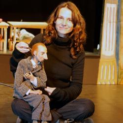 Aline Kuppenheim y Akakiy
